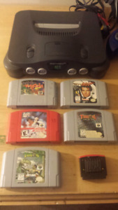 Nintendo 64/N64 lot with Five Games and Expansion Pak