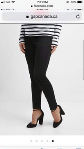 Gap maternity true skinny with inset panel size 32-black