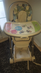 GRACO 4 IN ONE HIGH CHAIR GROWS WITH BABY
