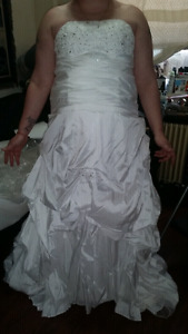 Mint condition wedding dress