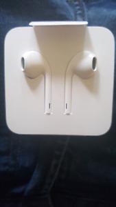 Iphone 7 headphones .