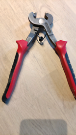 Tile clippers