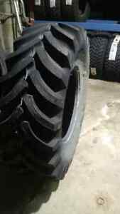 Firestone Agri Tire, 16,9-24, tubeless, 10 ply. Backhoe, Tractor