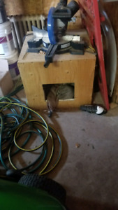 Insulated cat or dog house