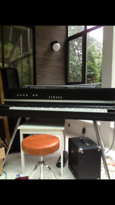 Yamaha CP-70 electric grand piano
