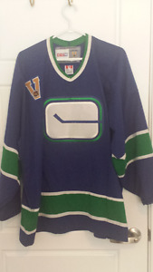 Vancouver canucks jersey and tops