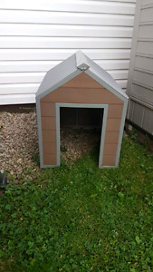 Metal dog house  (small/med)