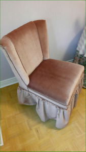 Slipper chair  dusty rose with skirt