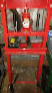 12ton hydralic press trade for chainsaw or?? or cash offer London Ontario image 1
