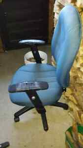 Wheeled tall back office chair
