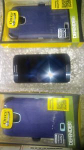 Samsung s4 blue otter box case charger $140