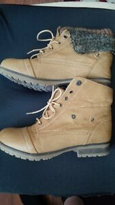 Sports womans boots