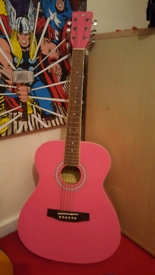 Westfield 3/4 kids pink guitar and carry bag