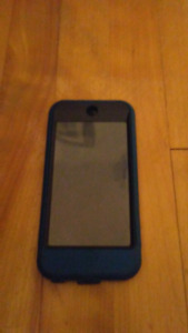 ipod touch 200$ NEGOTIABLE