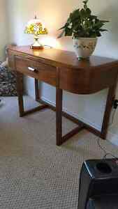 Sofa Table, High Quality sliders, Solid Wood, Excellent conditio