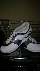 Ladies golf shoes by Nike. BRAND NEW!!!