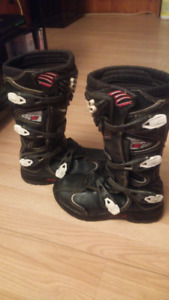 Size 7 comp 5 fox boots