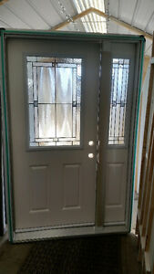NEW DOOR AND SIDELIGHT UNIT