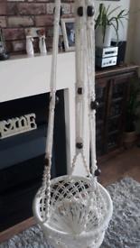 Indoor hanging basket