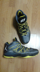 basketball shoes Air Jordan CP3 8's SIZE 13 great condition