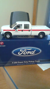First Gear - Ford F-250 Super Duty Pickup Truck Model