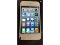 iPod 4th Generation 16gb broken/cracked scree
