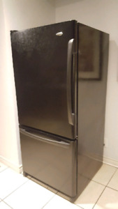 Amana Refrigerator - Very Clean & Works Perfect!