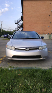 "Honda Civic 2008, 15"" rims, tints, man, 514-884-5016"