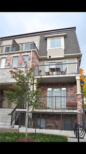 AVAILABLE 4/20 - FEEL RIGHT AT HOME IN THIS BEAUTIFUL CONDO!