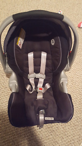 Graco carseat/ 2 bases