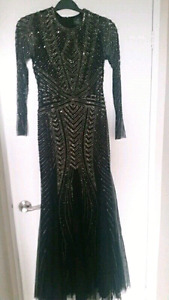 FULL LENGTH EVENING GOWN BY ADRIANNA PAPELL