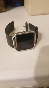 Fitbit Blaze w/ black sport band and charger