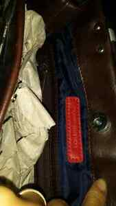 Tommy hillfiger purse brand new tags. JUST IN TIME FOR CHRIDTMAS Cambridge Kitchener Area image 2