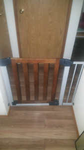 Baby gate or pet gate for $30