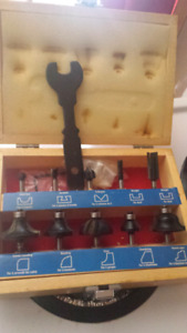 Mastercraft set of Router bits