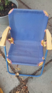 2 toddler folding chairs