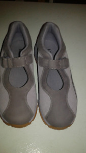 Girls Shoes from L. L. Bean - Sz. 4