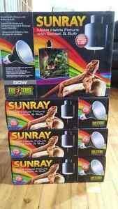 4 boites neuves de lumière pour reptile et terrarium a vendre