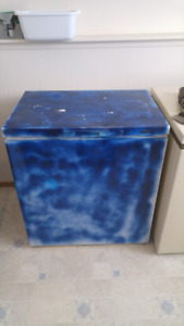 Deepfreeze freezer 3'x2'x3' high
