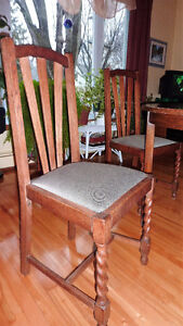round table and 4 chairs West Island Greater Montréal image 3