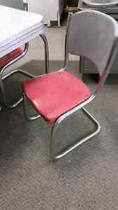 1950s retro table and chairs London Ontario image 2