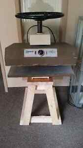 ADEMCO 2226 Dry Mounting and Laminating Heat Press West Island Greater Montréal image 1