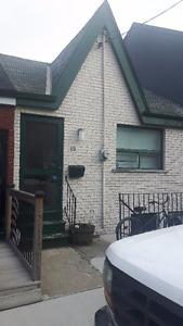 2 Bedroom House (Trinity Bellwoods / King West/ Queen West)