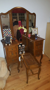 Antique/Vintage Make-Up Table and Dresser