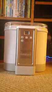 Cuisinart Yogurt Maker - Never Used