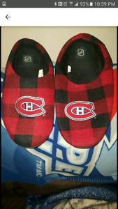 MONTREAL CANADIANS SLIPPERS.