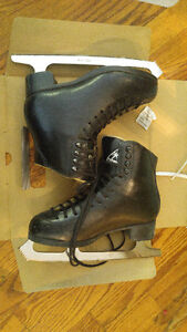 MENS Jackson Figure Skates Size 4 Boot and 9.5 Blade