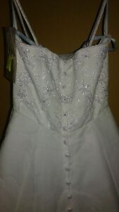 BRIDAL ORIGINAL SIZE 6 / ONLY $50