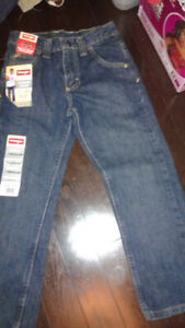 Brand new boys size 7 wrangler jeans with adjustable waist