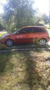 KIA RIO5 HATCH, auto, 2008 147000KM   1700$ nego